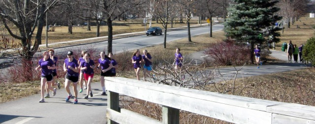 A gaggle of young runners